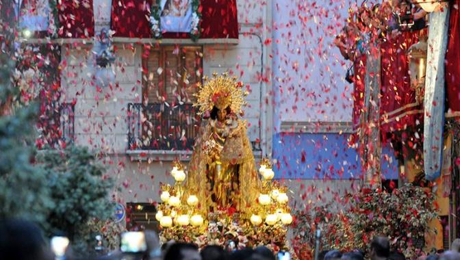 Oración a la Virgen de los Desamparados